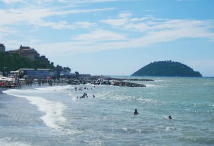Пляж и остров Галлинара
