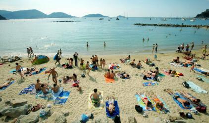 На бесплатном муниципальном пляже