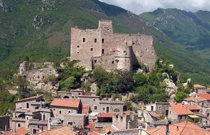 Кастельвеккьо ди Рокка Барбена (Castelvecchio di Rocca Barbena)
